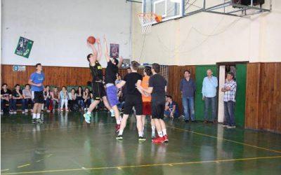 Финални натпревари на класните првенства во мал фудбал и кошарка
