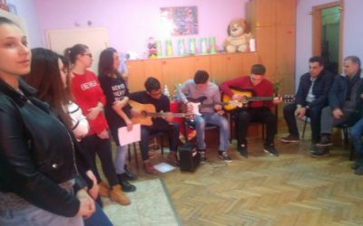 Новогодишна хуманитарна акција од гимназијалците за децата со посебни потреби