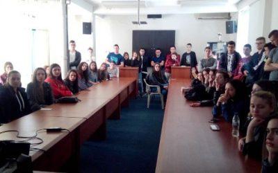 Учениците од III година во посета на ПС Кавадарци