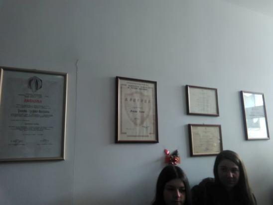 Учениците во посета на адвокатска и нотарска канцеларија