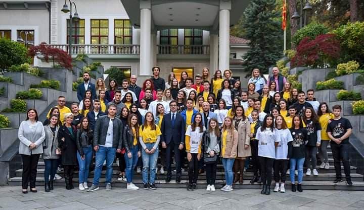 Учениците од Гимназијата – гости кај Претседателот Пендаровски